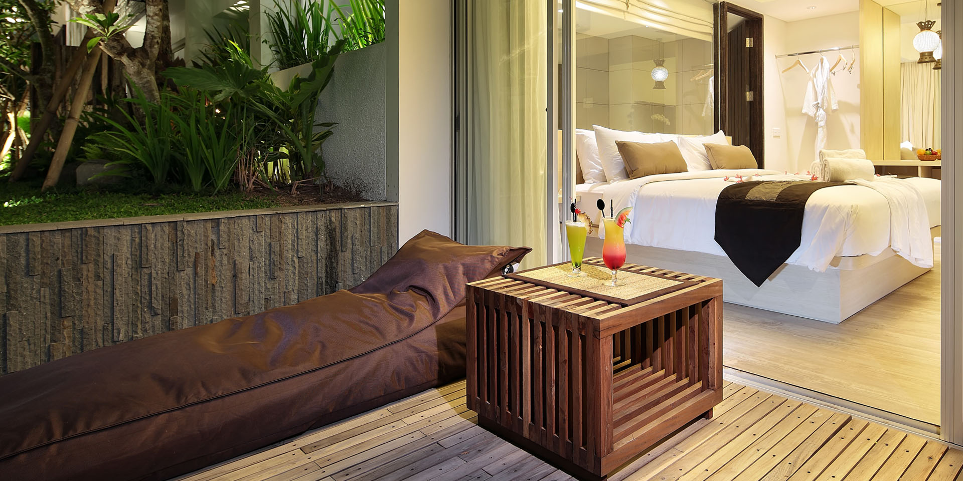 Poolside Grand Deluxe - Terrace